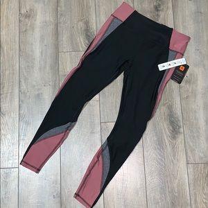 $⬇️ NWT [RBX] 7/8 length color block leggings (S)